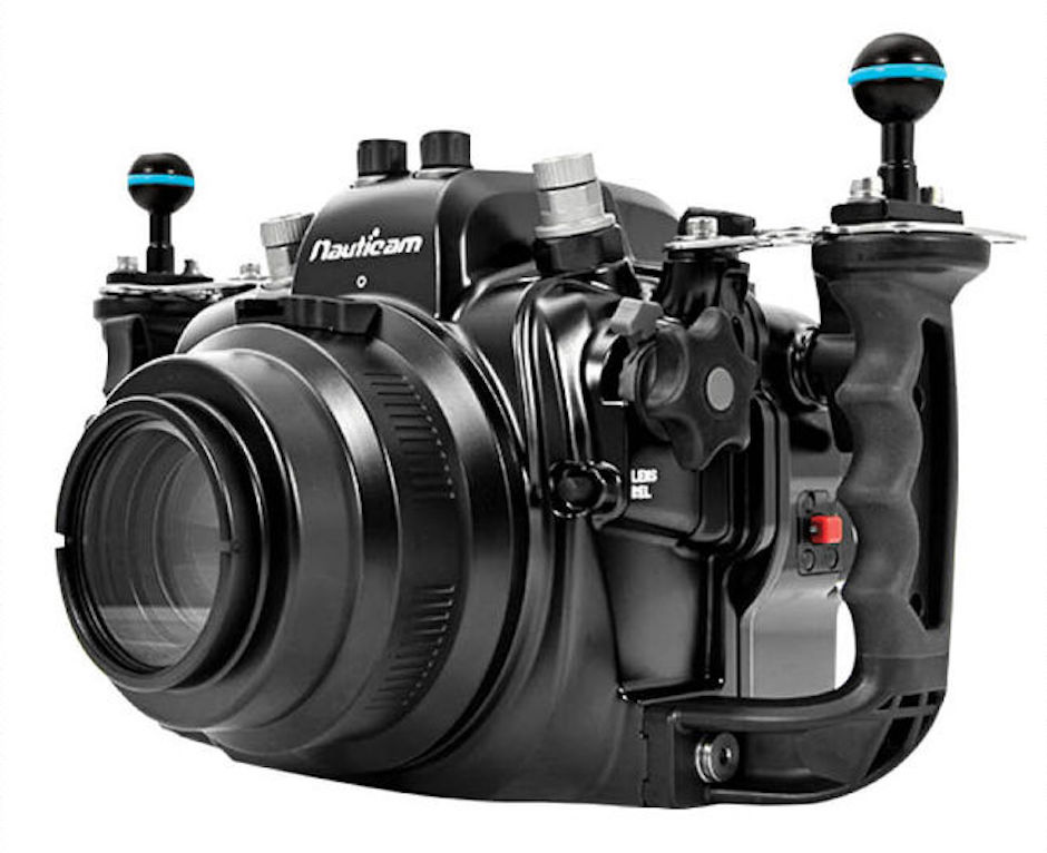 4-Canon EOS 5D Mark III and Nauticam Housing.jpg